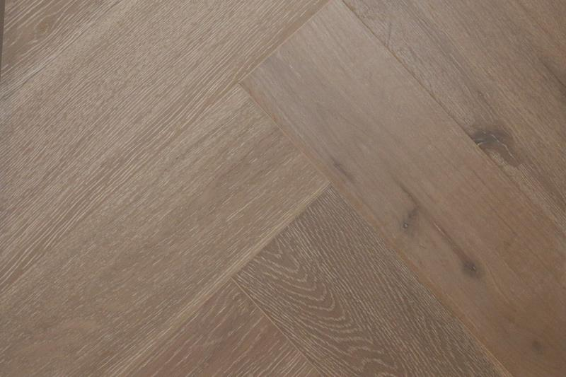 Cottage Engineered Herringbone Clay Brushed Lacquered Oak 148mm-01