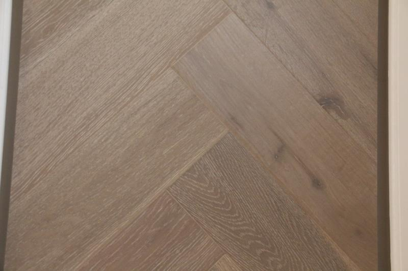 Cottage Engineered Herringbone Clay Brushed Lacquered Oak 148mm-11