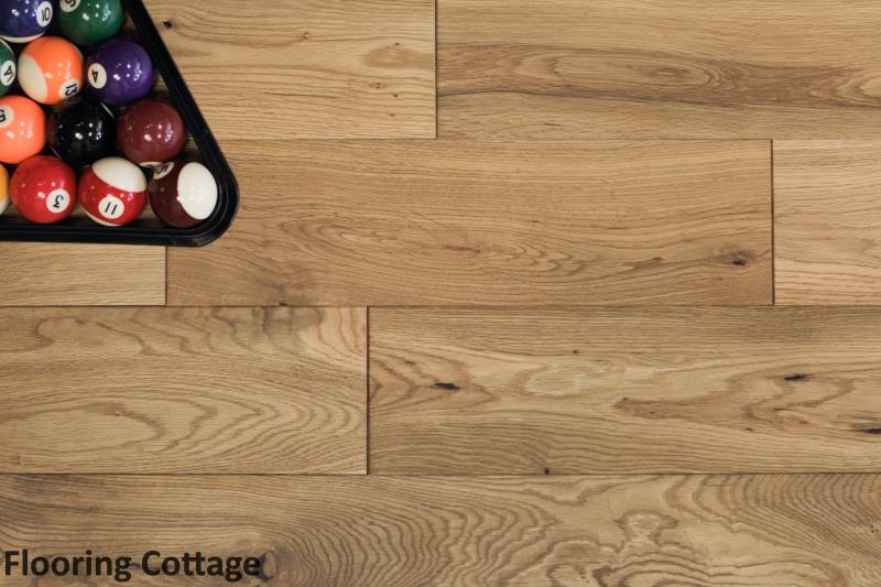 Chiswick Solid Oak Brushed Oiled Wood -01