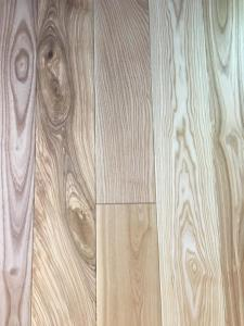 Rondo Solid Oak Lacquered Wood