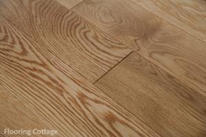 Mayfair Engineered Lacquered Oak Click-21