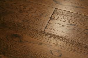 Shoreditch Solid Brushed Caramel Oak -01