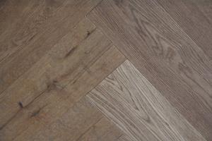 Cottage Engineered Herringbone Smoked Oak 148mm-01