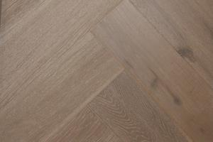 Cottage Engineered Herringbone Clay Brushed Lacquered Oak 148mm-21